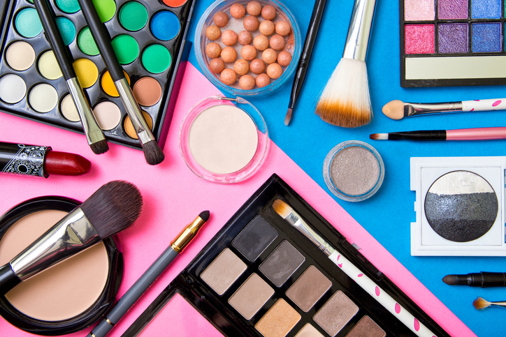 5 Shocking Facts About The Fragrance Ingredients in Makeup